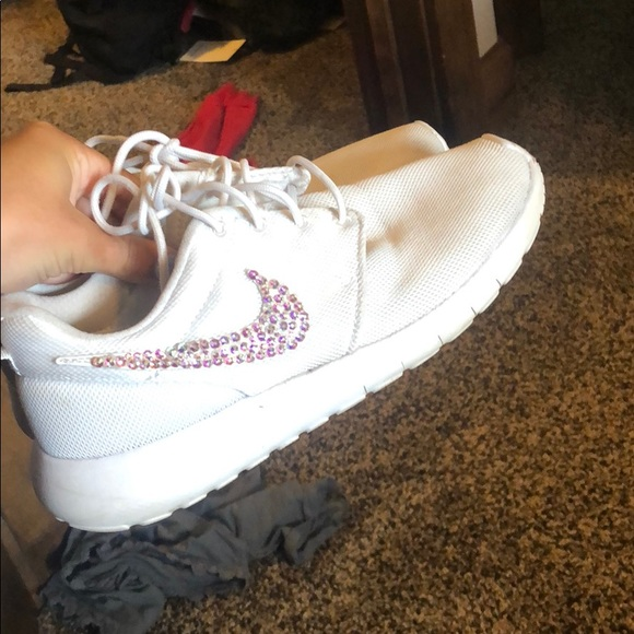 Nike Other - White bedazzled Nike roshes!